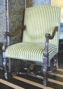chairs-mediciarmchair1